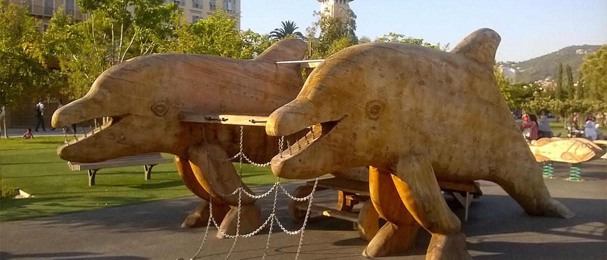 Permalänk till:Delfiner i Nice lekpark